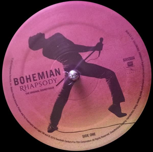 Пластинки Bohemian Rhapsody на проигрывателе